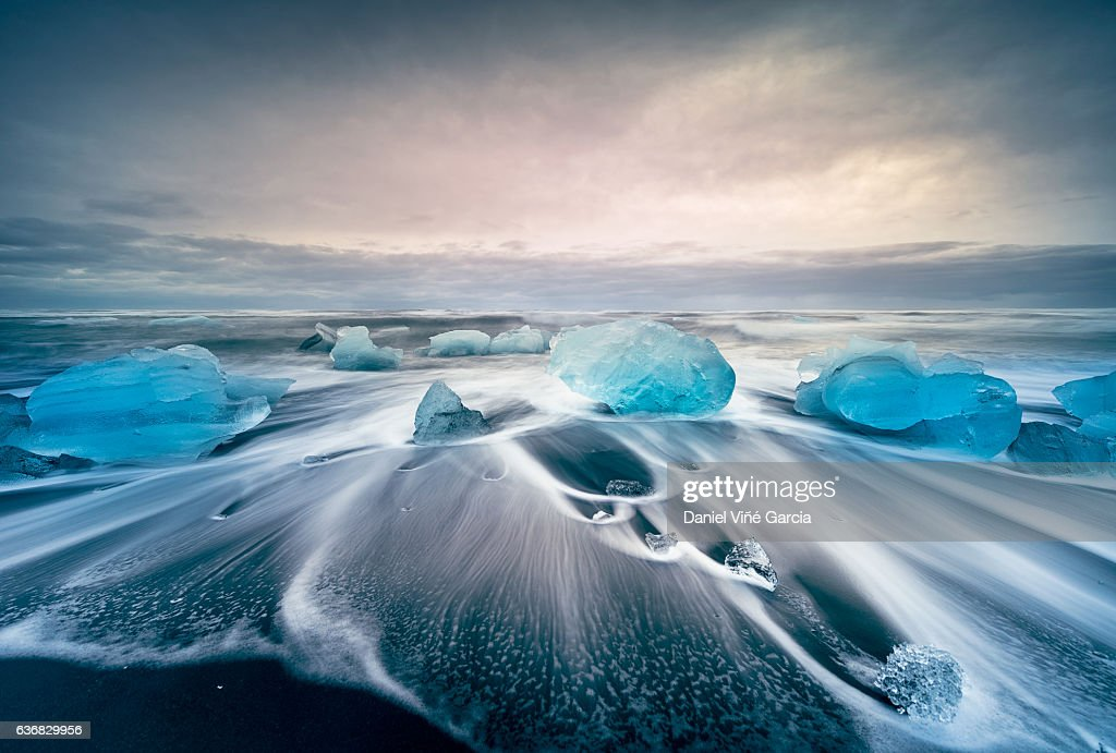 Icebergs on the Jokulsarlon glacial lake : Stock-Foto