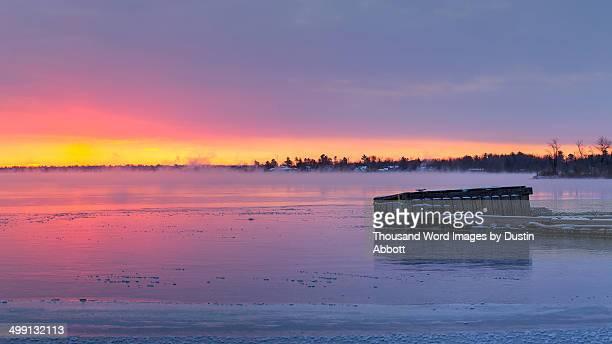icebound - dustin abbott imagens e fotografias de stock