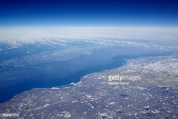 ice-covered coast of lake michigan between milwaukee, wisconsin and chicago, illinois, united states - iowa_county,_wisconsin stock pictures, royalty-free photos & images