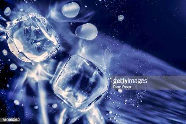 Icecube and waterdrops 2