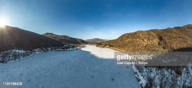 iced lake - caputo foto e immagini stock