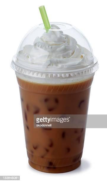 アイスモカホイップクリーム入りのコーヒー