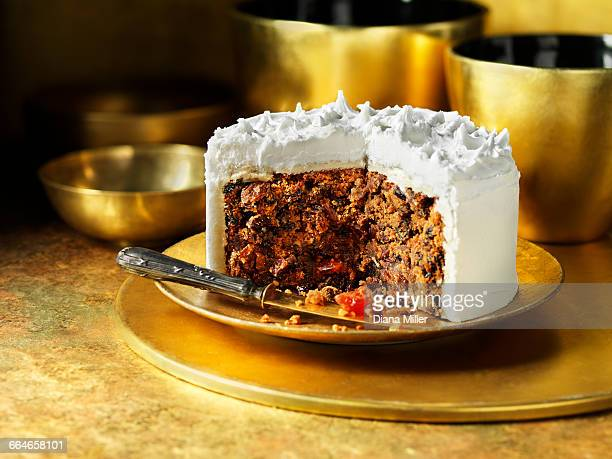 iced traditional fruit christmas cake - fruit cake stock pictures, royalty-free photos & images