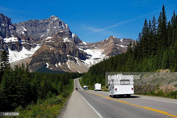 icefields parkway, banff nationalparl, alberta - kanada stock pictures, royalty-free photos & images