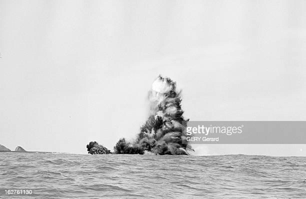 The Island Of Syrtlingur Rises In 1965 Islande 31 mai 1965 une éruption volcanique sousmarine avec émission de lave entre mai et octobre crée une...
