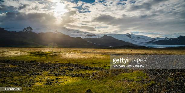 icelandic landscape - reizen stock pictures, royalty-free photos & images