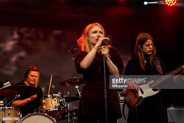 icelandic rock band, performing - stars and strings stock photos and pictures