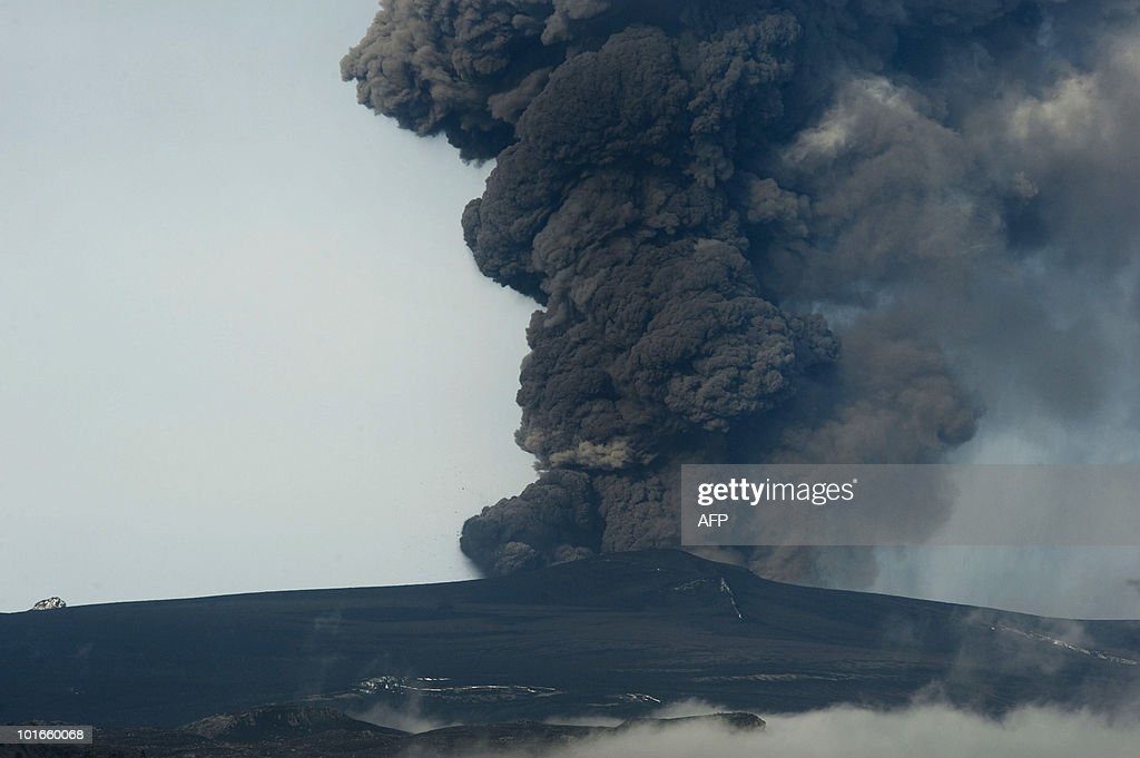 Iceland's Eyjafjoell volcano continues spewing ash on May 5, 2010, near Hvolsvöllur. The Icelandic volcano which wreaked havoc on European aviation last month has sent up a new plume of ash and is set to emit another cloud of debris after surging back to life, meteorologists said on May 6, 2010.
