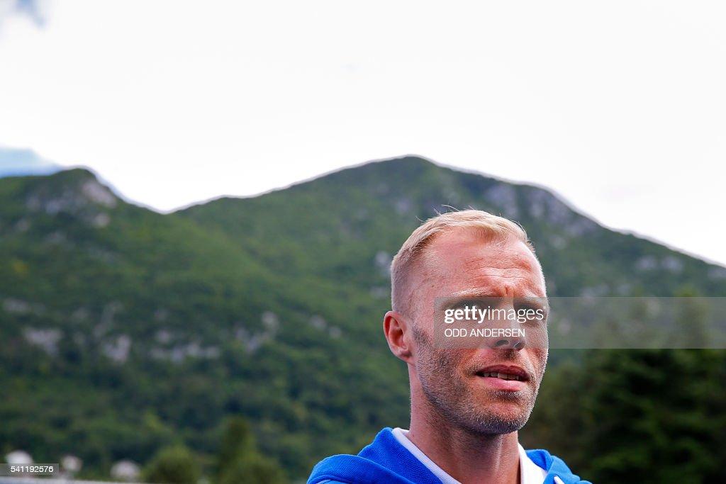 FBL-EURO-2016-ISL-TRAINING : News Photo