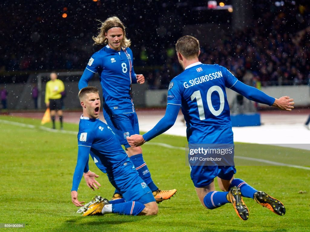 TOPSHOT-FBL-WC-2018-QUALIFIER-ISL-KOS : News Photo