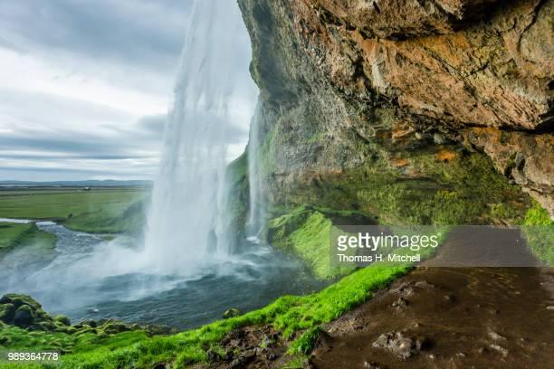 iceland-seljalandsfoss - brook mitchell bildbanksfoton och bilder