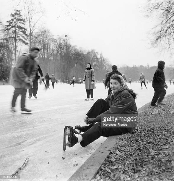 IceSkaters On The Frozen Lake At The Bois De Boulogne In Paris Around 1950