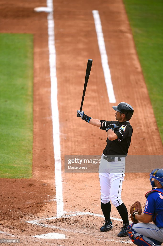 Ichiro Suzuki of Miami Marlins bats during the spring training game between Miami Marlins and New York Mets at Roger Dean Stadium on March 13, 2016 in Jupiter,FL, United States.