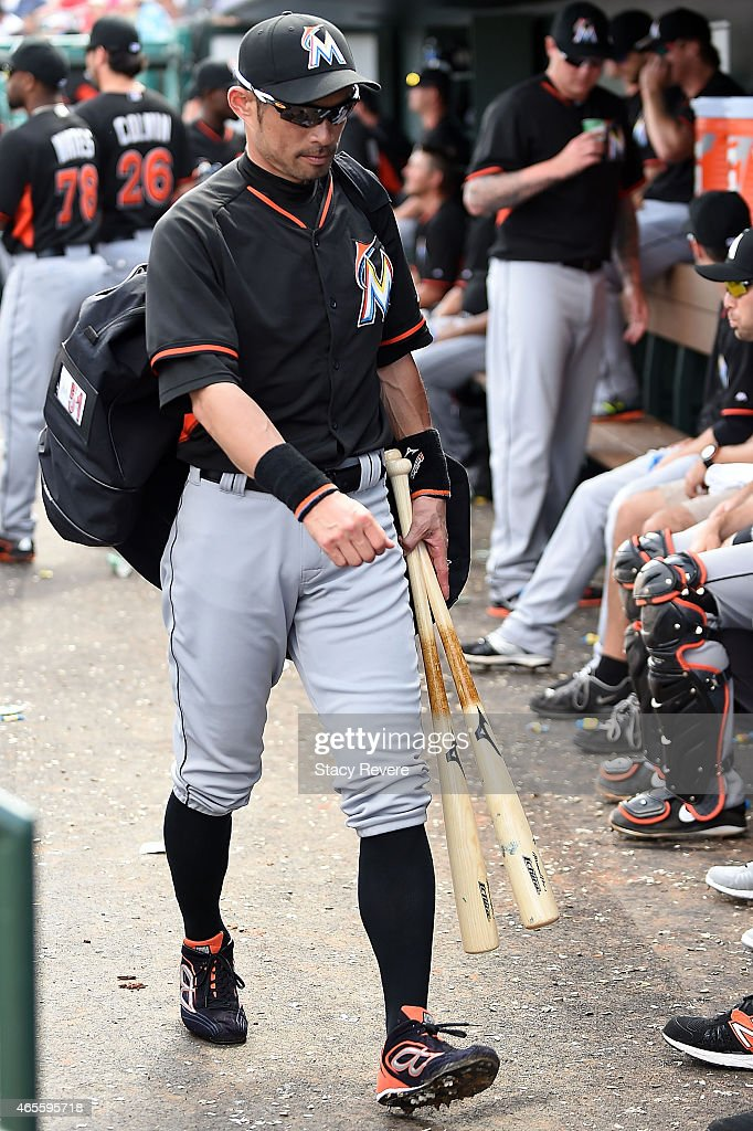 Ichiro Suzuki #51 of the Miami Marlins leaves the field in the fifth inning of a spring training game against the St. Louis Cardinals at Roger Dean Stadium on March 8, 2015 in Jupiter, Florida.