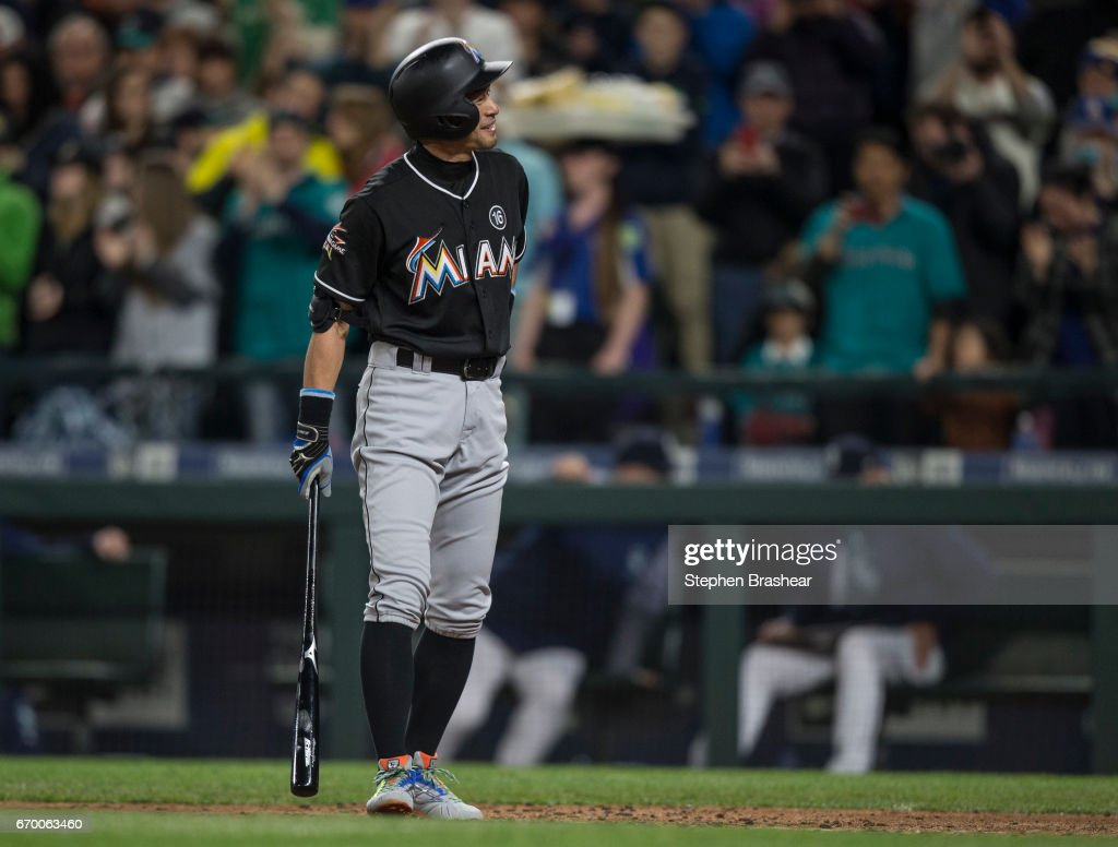 Miami Marlins v Seattle Mariners : ニュース写真