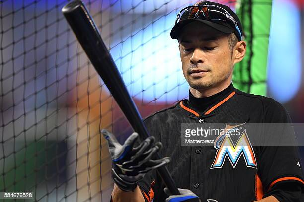 Ichiro Suzuki of the Miami Marlins takes batting practice before the game between St Louis Cardinals and Miami Marlins at Marlins Park on July 29...