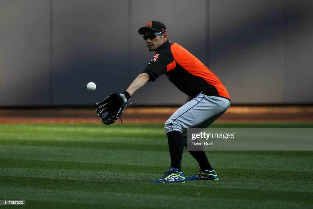 Ichiro Suzuki #51 of the Miami Marlins warms up before the game against the Milwaukee Brewers at Miller Park on September 15, 2017 in Milwaukee, Wisconsin.