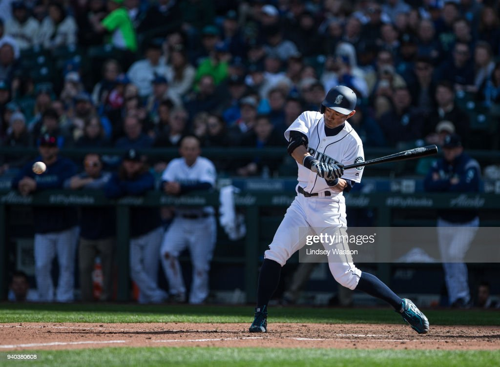 Cleveland Indians v Seattle Mariners : ニュース写真