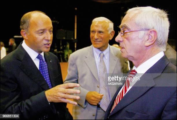 Ici Laurent Fabius avec Paul Quilés député PS du Tarn et Martin Malvy président du Conseil Régional MidiPyrénées Ici Laurent Fabius avec Paul Quilés...