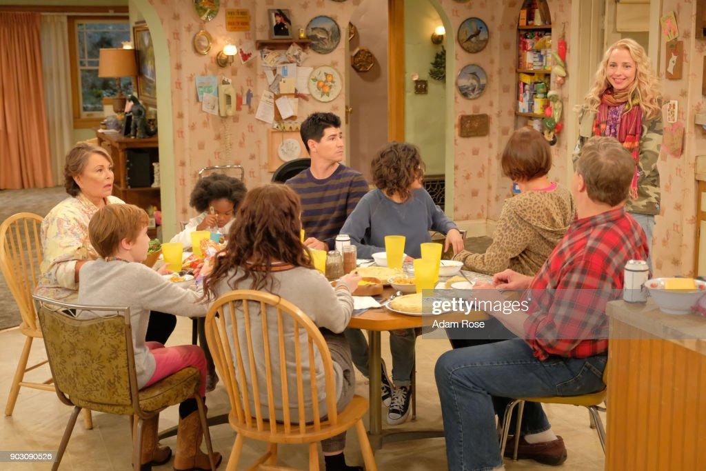 "ABC's ""Roseanne"" : News Photo"