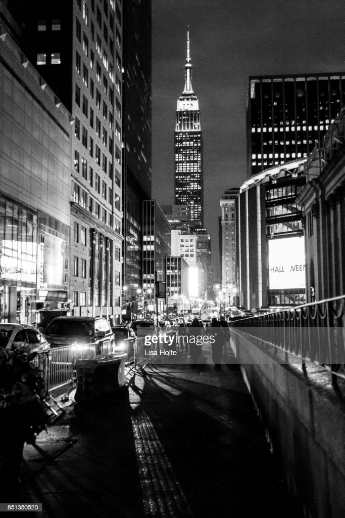 Iconic Empire State Building in New York City : Stock Photo