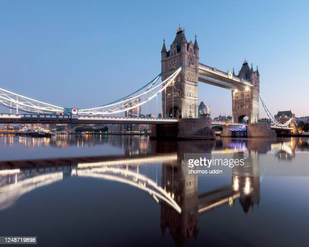 iconic london landmark at twilight - idyllic stock pictures, royalty-free photos & images