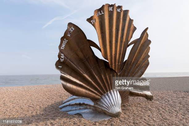 Iconic scallop shell steel sculpture by artist Maggi Hambling and made by Sam and Dennis Pegg in 2003 as a tribute to Benjamin Britten sited on the...
