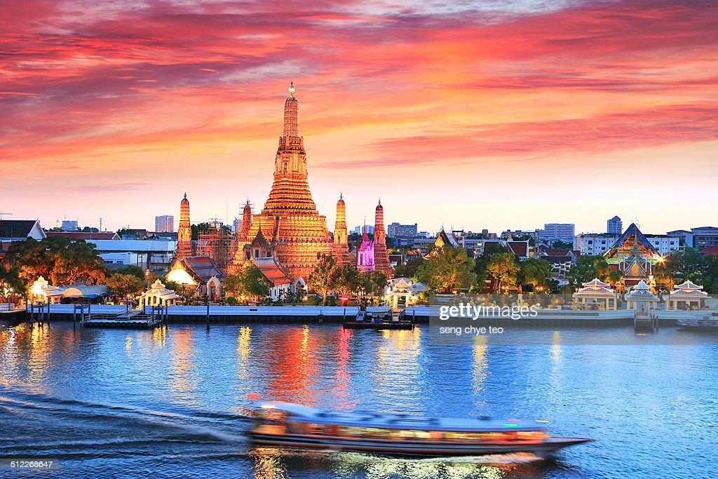 Iconic Wat Arun bangkok : Stock-Foto