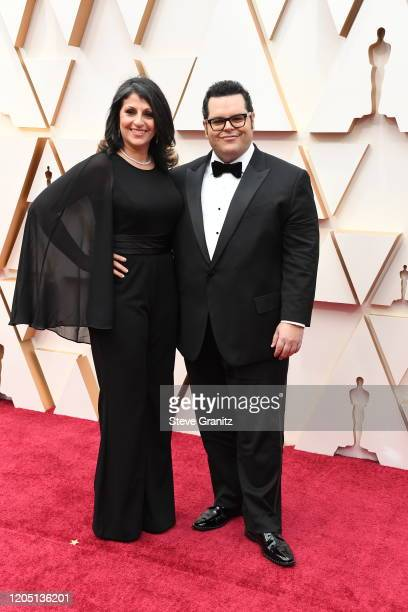Ida Darvish and Josh Gad attends the 92nd Annual Academy Awards at Hollywood and Highland on February 09, 2020 in Hollywood, California.
