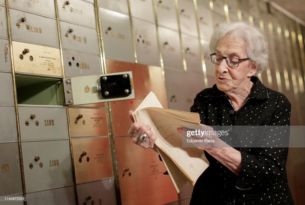 ESP: Ida Vitale Visits The National Library