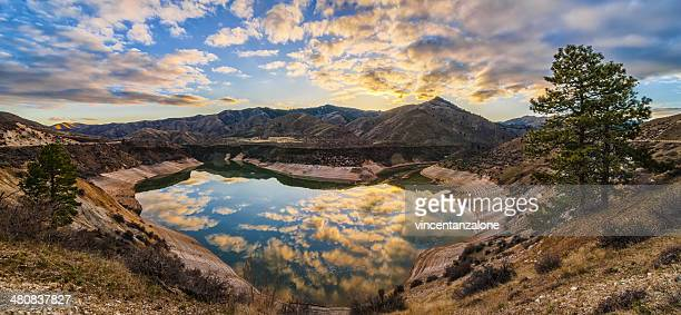 usa, idaho, ada, boise, lucky peak, lucky peak reservoir, heart shaped lake - boise idaho stock pictures, royalty-free photos & images