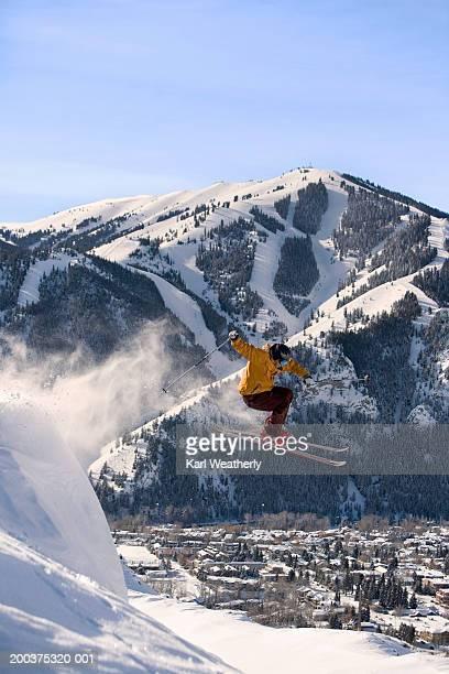 USA, Idaho, Sun Valley, man downhill skiing on Dollar Mountain