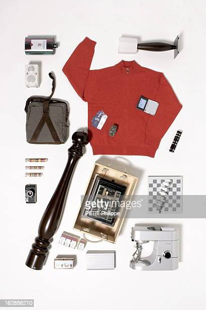 Ideas For Christmas Gifts For The Whole With Family Le conte de fées de Noël cadeaux pour Eloi papa très attachant appareil photo argentique Leica MP...