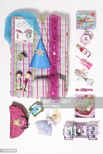 Ideas For Christmas Gifts For The Whole With Family Le conte de fées de Noël cadeaux pour Eleonore tendre messager montre rose ultraplate Thintronix...