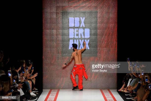 Ido Tatlises walks the runway at the DB Berdan show during MercedesBenz Istanbul Fashion Week September 2017 at Zorlu Center on September 14 2017 in...