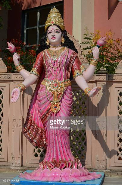 idol of hindu goddess lakshmi - goddess lakshmi stock photos and pictures