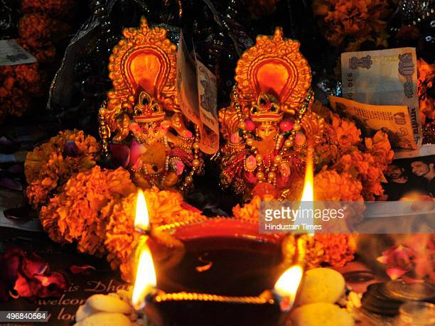 Idols of Goddess Lakshmi and Lord Ganesha on the occasion of Diwali the festival of Lights on November 11 2015 in New Delhi India Diwali is an...