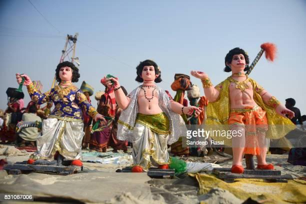 idols of various gods during ganga sagar fair - ganga sagar stock photos and pictures