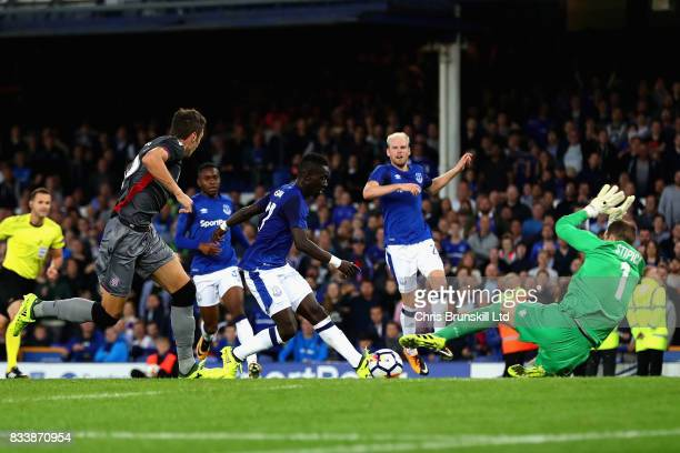 Idrissa Gueye of Everton scores his sides second goal during the UEFA Europa League Qualifying PlayOffs round first leg match between Everton FC and...