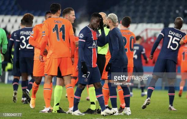 Idrissa Gueye of Paris Saint-Germain celebrate the victory after the UEFA Champions League Group H stage match between Paris Saint-Germain and...