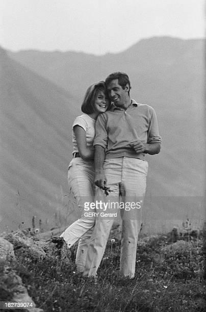 Idylle Between Roger Vadim And Catherine Deneuve. Catherine DENEUVE 17 ans et demi et son compagnon Roger VADIM dans un petit chalet de montagne à...