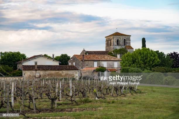 idyllic french village near cognac, france - cognac - fotografias e filmes do acervo