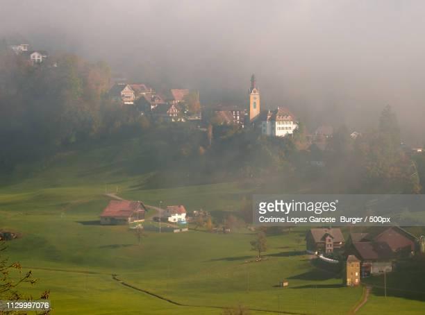idyllic place - corinne paradis photos et images de collection