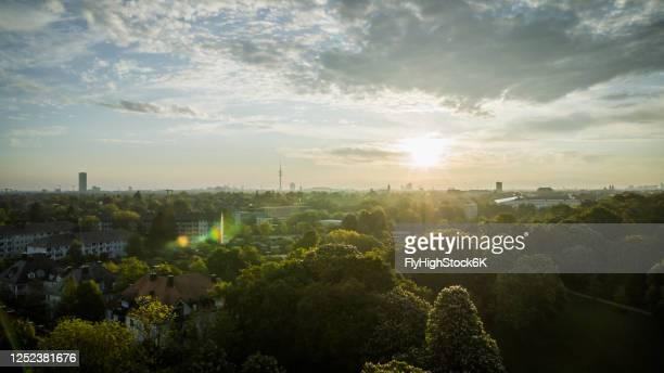 idyllic sunset over westpark, munich, bavaria, germany - münchen stock-fotos und bilder