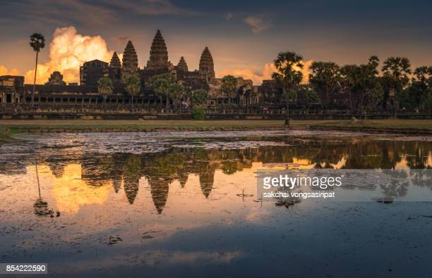 idyllic view of dramatic sky during sunset at ankor wat, siem reap,cambodia - angkor stock photos and pictures