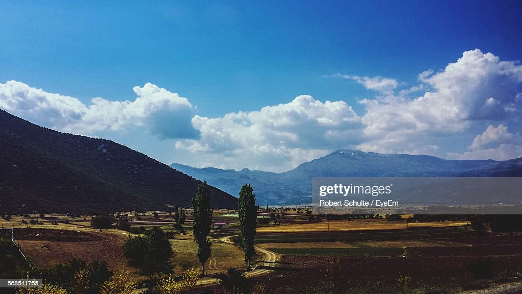 Idyllic View Of Landscape Against Sky : Stock Photo