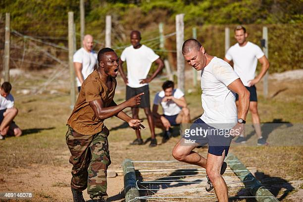 if it doesn't challenge you, it doesn't change you - army training stock pictures, royalty-free photos & images