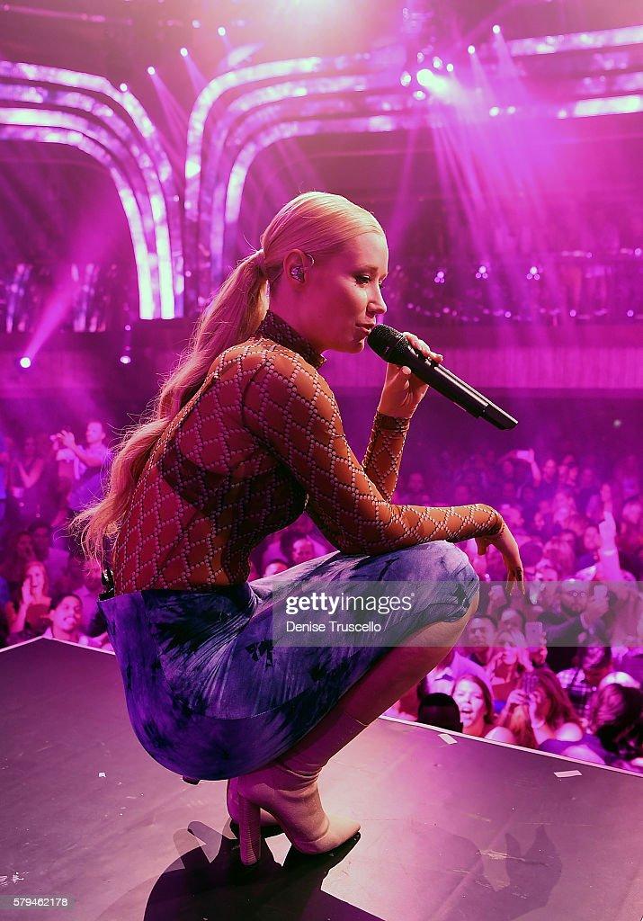 Iggy Azalea performs at Jewel Nightclub at the Aria Resort & Casino on July 23, 2016 in Las Vegas, Nevada.