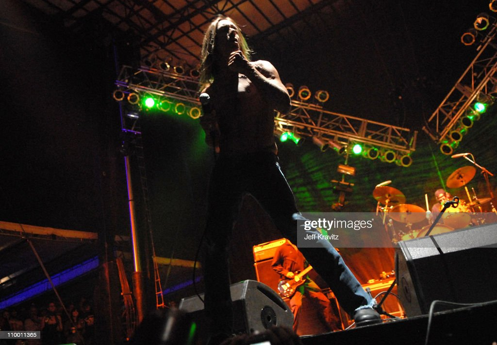 2007 Vegoose Festival - Performance