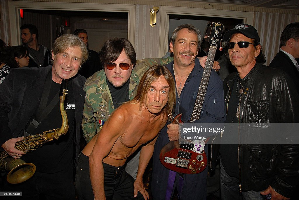 23rd Annual Rock and Roll Hall of Fame Induction Ceremony - Backstage : News Photo